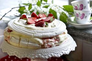 En hel del tårta lär det bli när Inger Nilsson fyller 60. Men förhoppningsvis utan choklad.