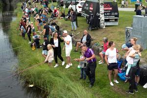 Drygt 120 deltog i barnens kanalfiske.