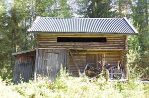 ... istället finns ett utedass på gården. Foto: Westergården & Partner AB / Sam Westergård