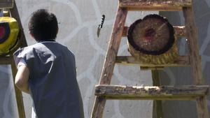 Yxkastning hörde till nöjena på medeltidsmarknaden i Kolbäck