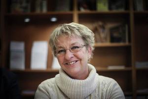 Carina Asplund håller på med en doktorsavhandling i sociologi, som just nu är vilande, om betydelsen av entreprenörer för lokal och regional utveckling.