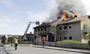 Klockan 04:31 på nationaldagens morgon gick larmet om en brand i ett planerat HVB-hem i Insjön.