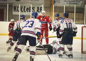 Här blev det inte mål, men Jens Gunnarsson gjorde Järvsös första mål i matchen och banade väg för 5–2 segern.