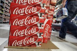 En svensk dricker i snitt 1,3 liter läsk i veckan. En hög konsumtion ökar risken för att dö i hjärtsjukdomar, så varför inte pröva att göra läsken dyrare genom en högre skatt?