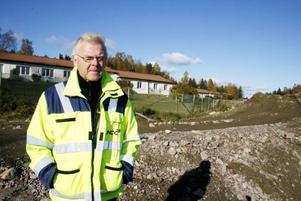 ARBETSLEDARE. Gunnar Holmström är projektledare på NCC och har styrt arbetet med den nya vägen som hittills tagit ungefär två år att färsigställa. Det kommer vara jobb ytterligare en säsong med sträckan söder om Bodås.