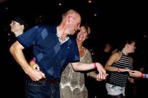 Svante Eivner och Susanne Eriksson var några av de hundratals besökarna på gårdagens dansgala som fortsätter även idag.