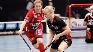 Clara Ekenström i Nykvarns tröja. Nästa säsong spelar hon i Telge.