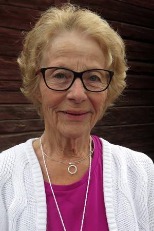 – Alla kan vara med. Danserna är ju gjorda för äldre och anpassat för äldre, säger Anna-Lisa Holm-Berg som är ordförande i Svenska Seniordansledarförbundet (SSDF).