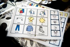 Att använda pekkartor är en av de metoder Johanna och Keijo har fått lära sig mer om.