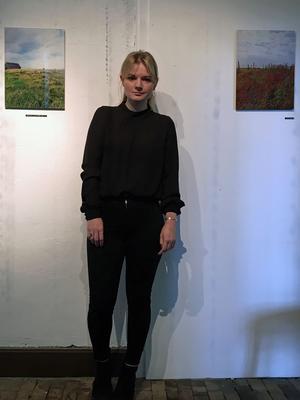 """Fotografen och tecknaren Simone L. De Bernardi debuterar med utställningen """"Da Nebbia"""" på Labbis. Foto: Moa Lindstedt."""