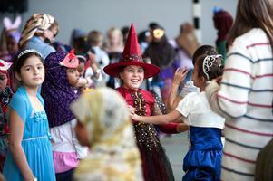 Fantasi och skaparglädje tycks ha fått rejält utrymme då eleverna på Tjärnaängsskolan  förberedde  sig inför fredagens firande.