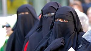 Kvinnor i niqab.