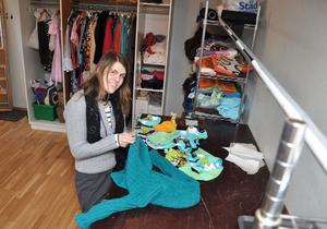 NY FÖRETAGARE. Annika Ljung har fått startaeget-bidrag                                       i sex månader för att prova på livet som designare i Tierp. Kläderna kommer säljas på visningar och så småningom via en hemsida.