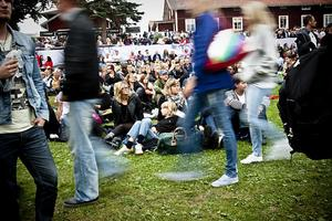 Publikhavet fylldes ständigt på de första timmarna av konserten. Stämningen var glad och förväntansfull.