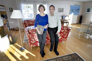 Hemma i Sandviken brinner Anna-Karin Malmström Ehrling och Per Ove Ehrling så mycket för systrarna Brontës litteratur att de startat ett eget bokförlag.