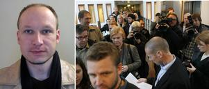 Ett stort journalistuppbåd hade samlats på Oslo tingsrätt inför omhäktningen av Anders Behring Breivik.