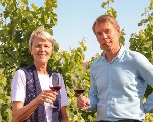 """Vin är tjockare än vatten. """"Mikael är som en bror för mig"""", säger Christina Sjöblom om sin kompanjon Mikael Sjöblom."""