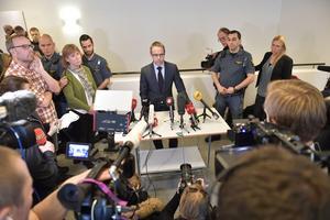 Åklagaren Hans Ihrman utanför säkerhetssalen, sal 1, vid Stockholms tingsrätt efter häktningsförhandlingen mot Rakhmat Akilov som misstänks för lastbilsdådet i Stockholm.