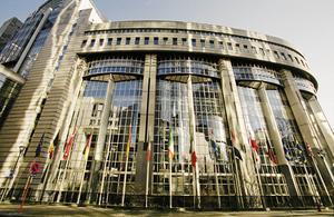 Europaparlamentets byggnad i Bryssel. Foto: Tobias Röstlund/TT