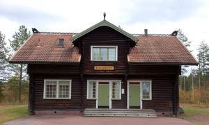 Ett av sju stationshus som fanns utmed Älvdalsbanan. Ferdinand Boberg ritade husen.