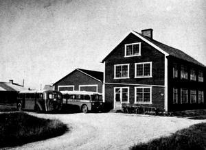 Bilden föreställer Örebro Karosserifabrik 1939 och är tagen ur boken Beskrivning över Örebro med omnejd.