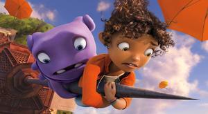 Tempot är högt i den animerade filmen Home, om en utomjordisk invasion som ger upphov till oväntad vänskap mellan en människoflicka och en rymdgubbe.