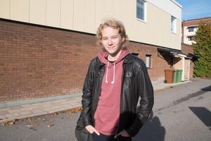 Jonathan Lennartsson, 14 år, studerande, bor i Centrum i Fagersta.– Jag trivs i området, det är tyst och lugnt.