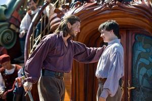 """Inte bara kompisar. Prins Caspian och Edmund har en liten beef under resans gång, i """"Narnia: Kung Caspian och skeppet Gryningen""""."""