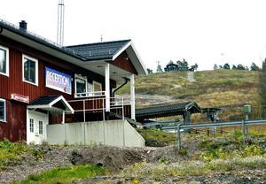 Slalombackens servicehus ska rustas för att inte minst skapa bättre förutsättningar för skiduthyrning.