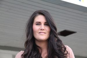 Jag har alltid varit intresserad av hår och frisyrer. Men jag vet inte vad som ligger bakom, säger Amanda Engh.