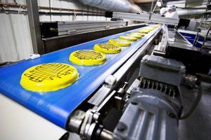 När LT besökte Lierne bakeri hade bageriet kapacitet för att producera 1 000 tårtor i timmen. Nu kan det läggas ner, något som berör flera jämtar.
