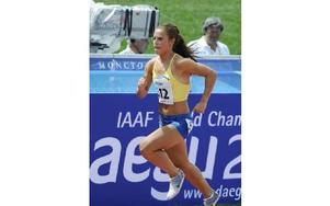 UTSLAGEN. Falu IK:s JVM-löpare Elin Moraiti tog sig inte vidare på 800 meter. Nu siktar hon i stället in sig på lördagens stafett.FOTO: Hasse Sjögren