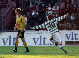 Damir Foric sänker Skiljebo med sitt 2–1-mål i derbyt år 2007.