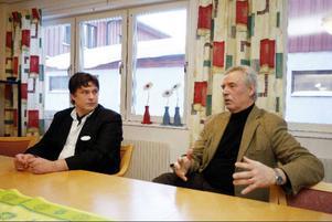 Chefen för Solbacka, Mats Nygren och chefen för äldrevården i Krokom, Kennet Österberg svarade på frågor vid onsdagens presskonferens.