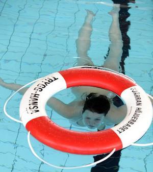 DYKER. Julia Östlund simmar som fisken i vattnet.