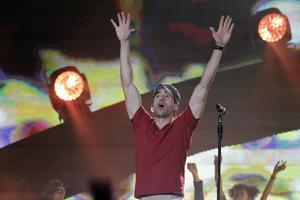 Enrique Iglesias spås stå för en av årets sommarplågor med