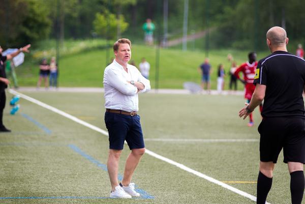 Per-Åke Swärdh och hans lag hade synpunkter på en situation i slutet av matchen mot Sala FF.