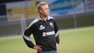 Robert Kronlund har sagt att han inte vill fortsätta som huvudtränare.