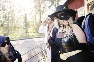 Festfixare. Lady Zorro, alias Maria Hagberg, fixade kändisfesten tillsammans med Anna-Karin Eldh.