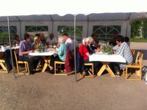 Runt 120 personer kom till grillfesten i Kårböle.
