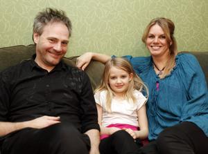 Maria Forsberg Lönn lever numera tillsammans med Lasse Forsberg och har delad vårdnad om dottern Engla, som bor varannan vecka hos sin pappa Reijo.