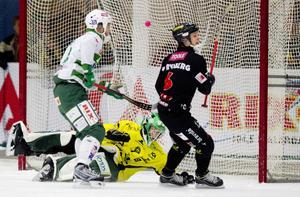 Islossning. Mattias Rydberg gjorde efter fem matcher utan mål två fullträffar mot VSK. Här är hans andra mål. FOTO: RUNE JENSEN
