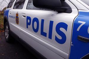 Polisen stördes av falska anrop från 21-åringens utrustning.