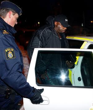 Proffsbodybuildaren Tony Freeman signerade DVD-skivor i Sundsvall när han greps av polisen misstänkt för dopningsbrott.