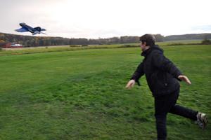 Ready for take off! På det andra försöket lyckades André Romsi få upp planet i luften.