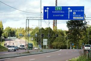 När trafikljusen tas bort i korsningen vid Kvissleby kommer även vägen att bli enfilig i båda körriktningarna och hastigheten sänkas till 50 kilometer i timmen.