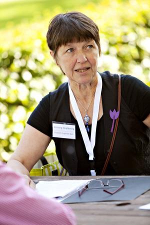 Elisabeth Engström Sten har sett till så att inte mindre än 35 föreläsare kommer till högskolan i helgen.
