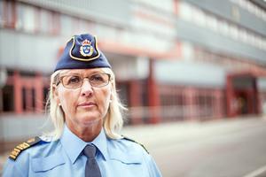 – Jag vill använda alla resurser. Det går snabbare att komma ut om någonting skulle hända, säger Lisa Ström som är polisområdeschef i Gävleborg.