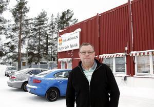 Förvaltningschefen Ronnie Söderlund har flera projekt att se fram emot, bland annat renoveringen av Ala skola och byggandet av en ny bro i Bergeforsen.