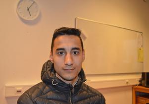 Agit Ablay har inte fått undervisning i sitt modersmål kurdiska sedan i december.